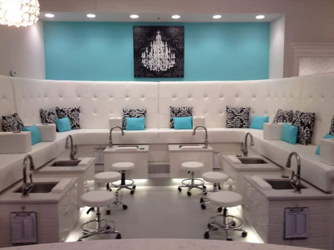 Trang tri nail salon
