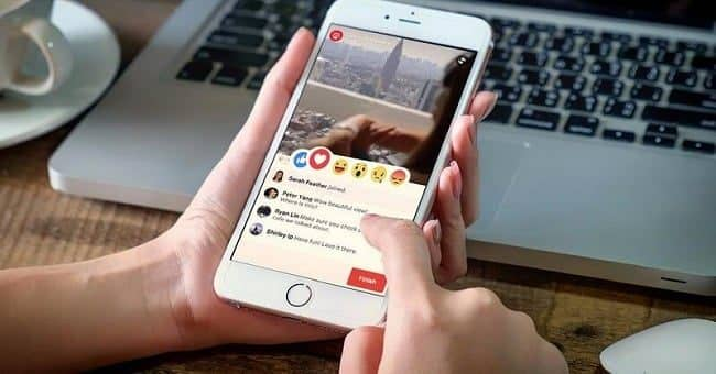 livestream trên mạng xã hội